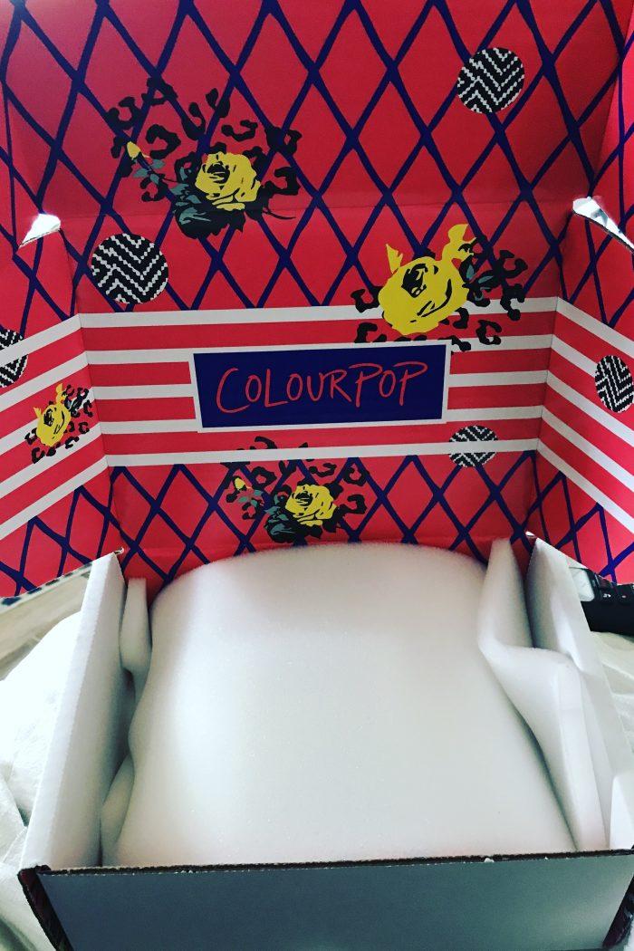Colour Pop ! Unboxing !